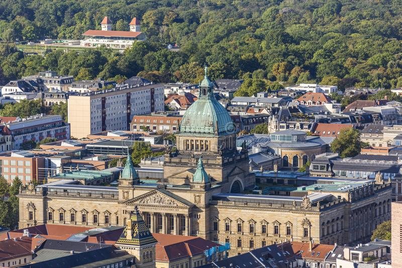 Vogelperspektive des Bundesverwaltungsgerichts in Leipzig stockfotografie