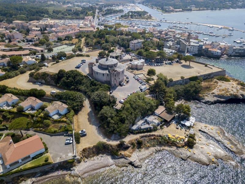 Vogelperspektive des Dorfs des Heiligen Florent, Korsika, Frankreich stockfotos