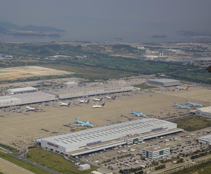 Vogelperspektive des Flughafens lizenzfreies stockbild