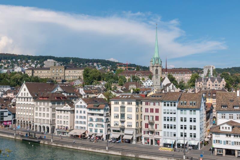 Vogelperspektive des historischen Zürich-Stadtzentrums und des Flusses Limmat von Lindenhof PA stockbild