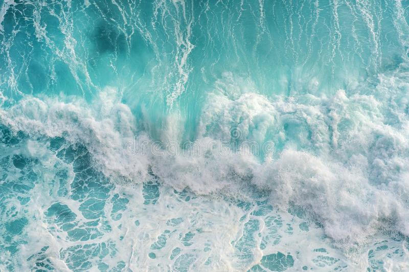 Vogelperspektive des Meereswogen lizenzfreie stockfotografie