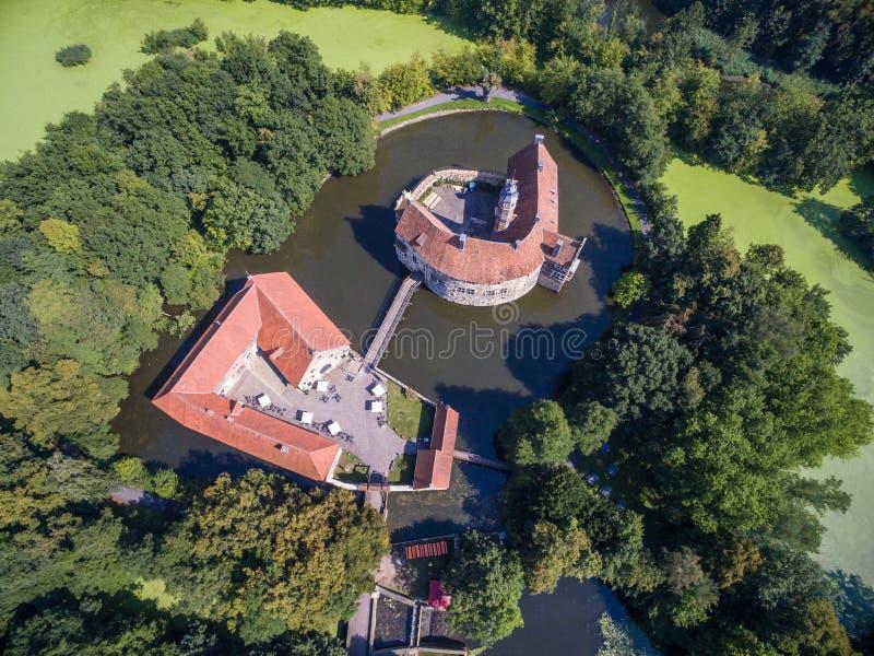 Vogelperspektive des mittelalterlichen Schlosses Vischering in Luedinghausen, Deutschland lizenzfreie stockfotografie