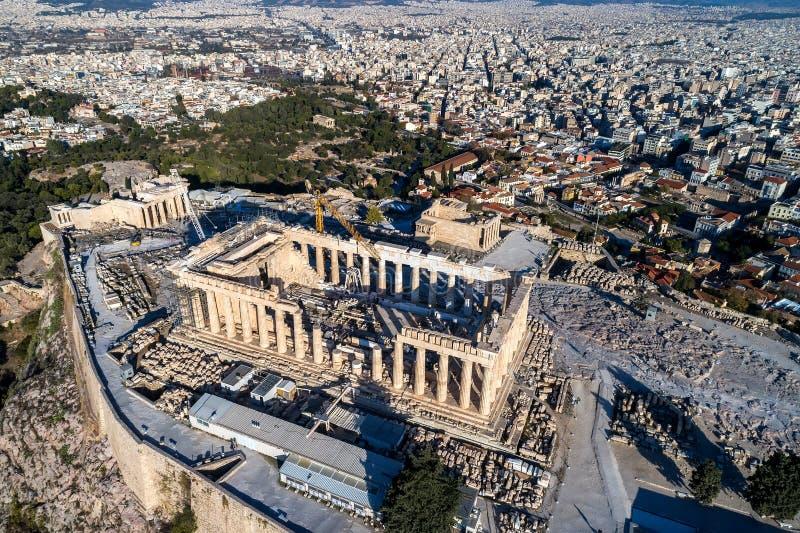 Vogelperspektive des Parthenons und der Akropolises in Athen lizenzfreie stockbilder