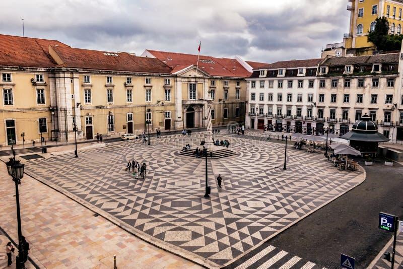 Vogelperspektive des städtischen Quadrats nahe bei LissabonRathaus, Portugal lizenzfreies stockfoto