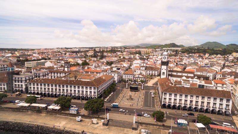 Vogelperspektive des Stadtzentrums und des Praca DA Republica in Ponta Delgada, Azoren, Portugal 23. April 2017 stockfoto