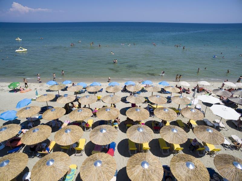 Vogelperspektive des Strandes in Katerini, Griechenland stockfotos