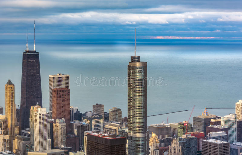 Vogelperspektive des Trumpf-Turms in Chicago stockfotos