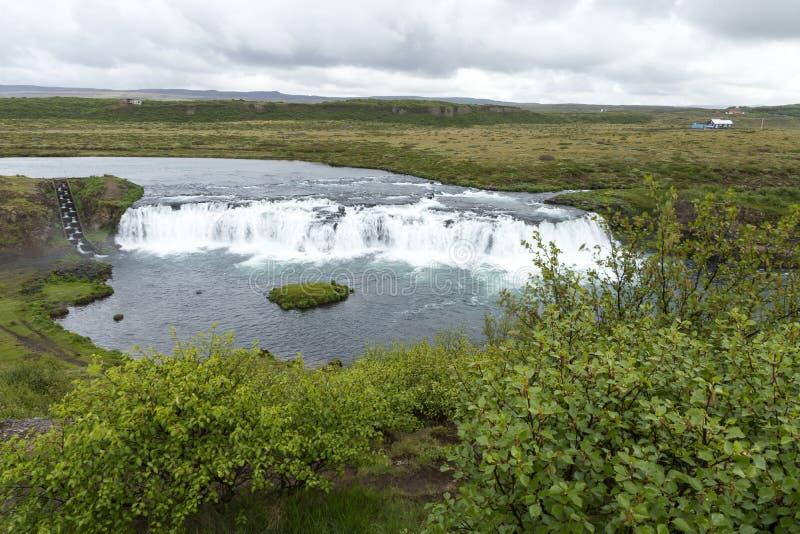 Vogelperspektive des Tungufljot Fluss- und Faxi- oder Vatnsleysufoss-Wasserfalls lizenzfreies stockbild