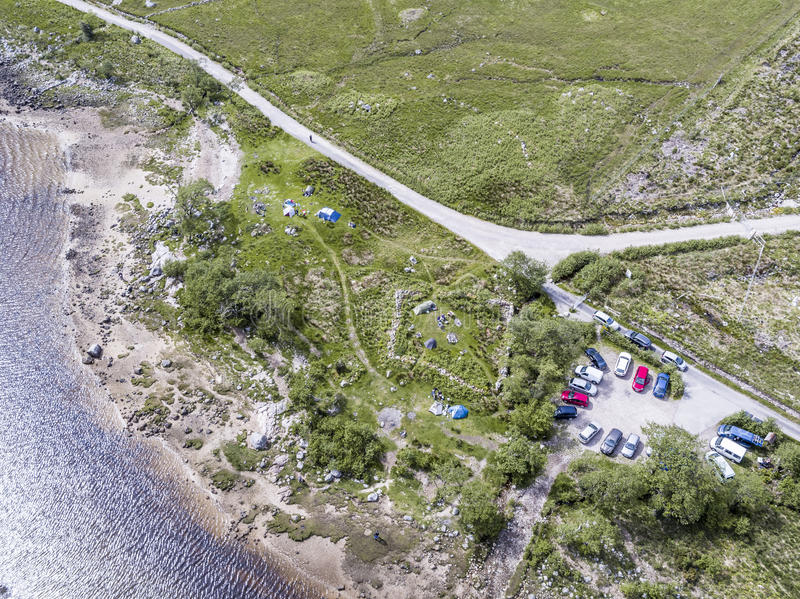 Vogelperspektive des wilden kampierenden Bereichs in Loch Etive lizenzfreie stockbilder
