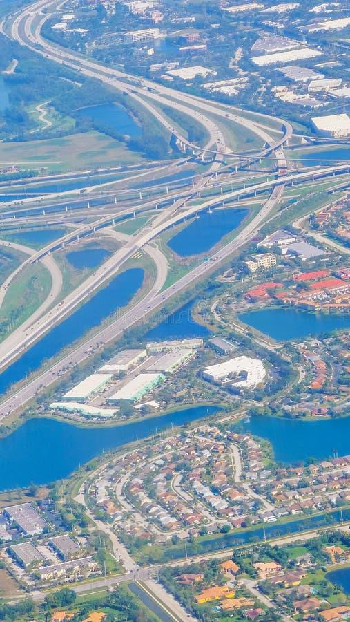 Vogelperspektive einer Landstraße im Fort Lauderdale stockbilder