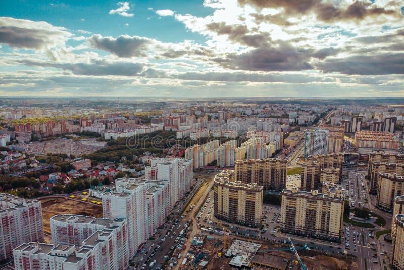 Vogelperspektive vom oben, Voronezh-Stadtpanorama mit modernen Häusern oder von den Gebäuden, städtische Architektur lizenzfreie stockbilder