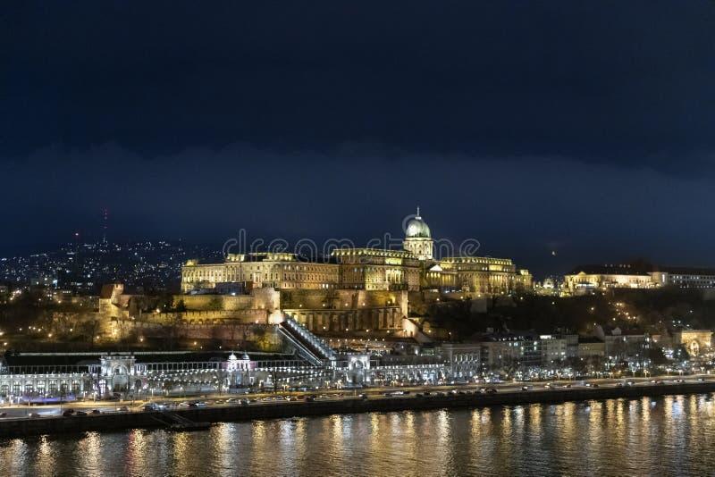 Vogelperspektive von Budapest nachts stockfoto