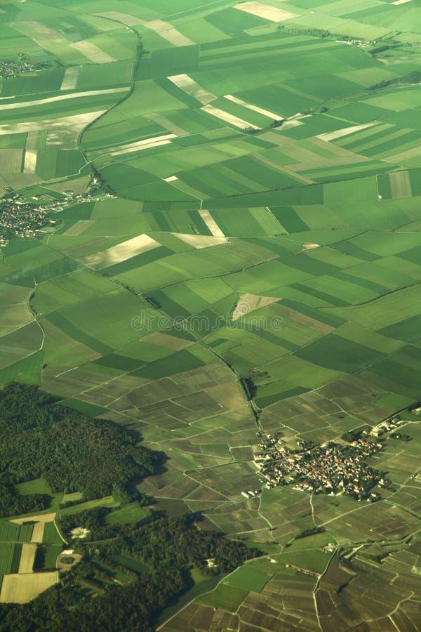 Vogelperspektive von Feldern in Europa stockfotos