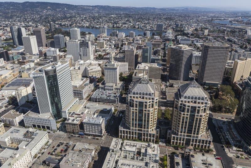 Vogelperspektive von im Stadtzentrum gelegenem Oakland Kalifornien lizenzfreie stockfotos