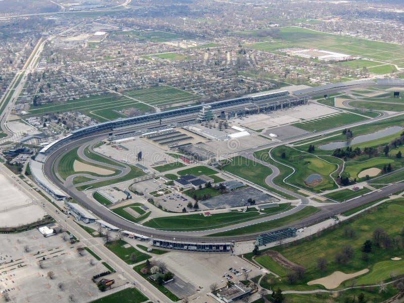Vogelperspektive von Indianapolis 500, ein Autorennen hielt jährlich in Indianapolis Motor Speedway in der Speedway, Indiana durc lizenzfreie stockfotos