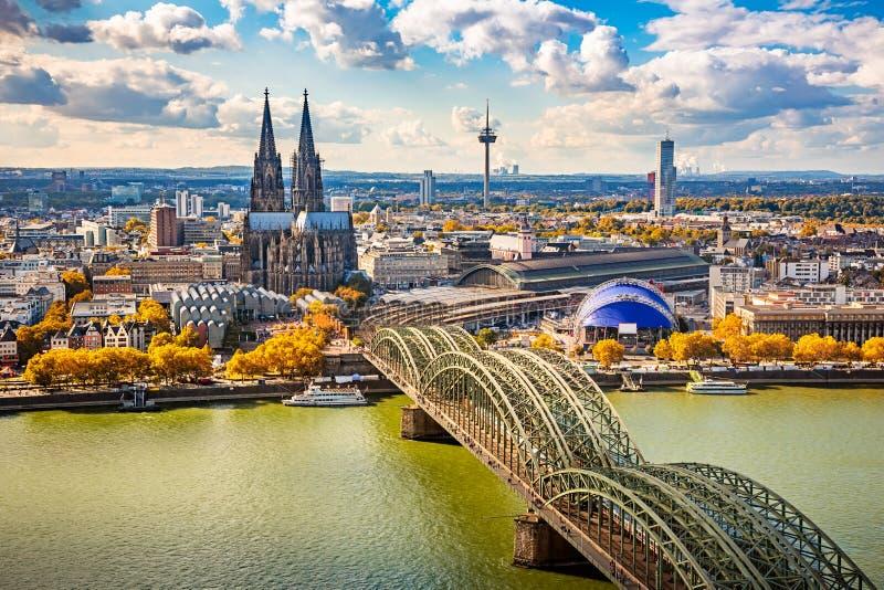 Vogelperspektive von Köln lizenzfreie stockfotografie