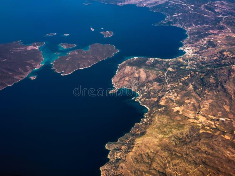 Vogelperspektive von Küsten von Griechenland lizenzfreie stockfotos