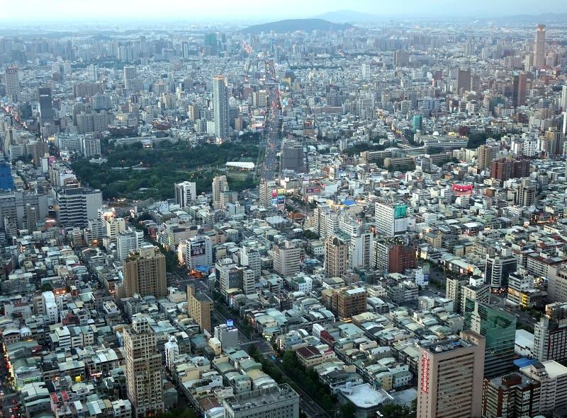 Vogelperspektive von Kaohsiungs-Stadt in Taiwan stockbild