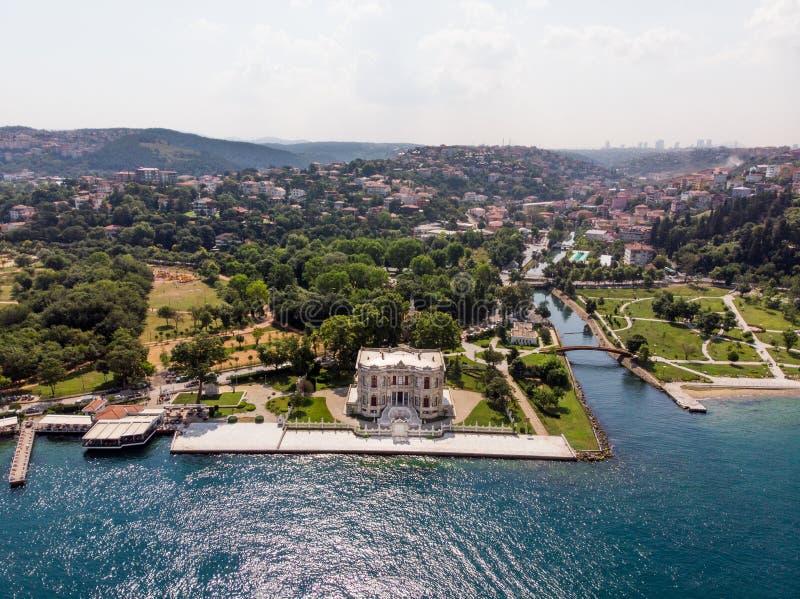 Vogelperspektive von Kucuksu-Palast in Beykoz, Istanbul-Stadt, die Türkei stockbilder