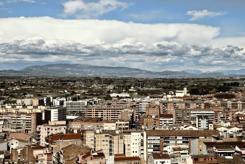 Vogelperspektive von Lleida, Spanien lizenzfreie stockbilder