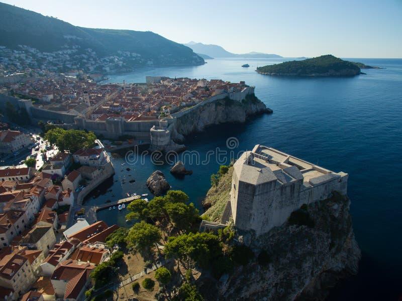 Vogelperspektive von Lovrijenac-Festung in Dubrovnik stockfotos