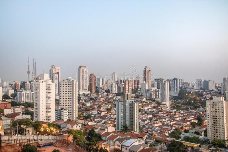 Vogelperspektive von Nachbarschaft Sumare und Perdizes in Sao Paulo - Sao Paulo, Brasilien lizenzfreies stockbild