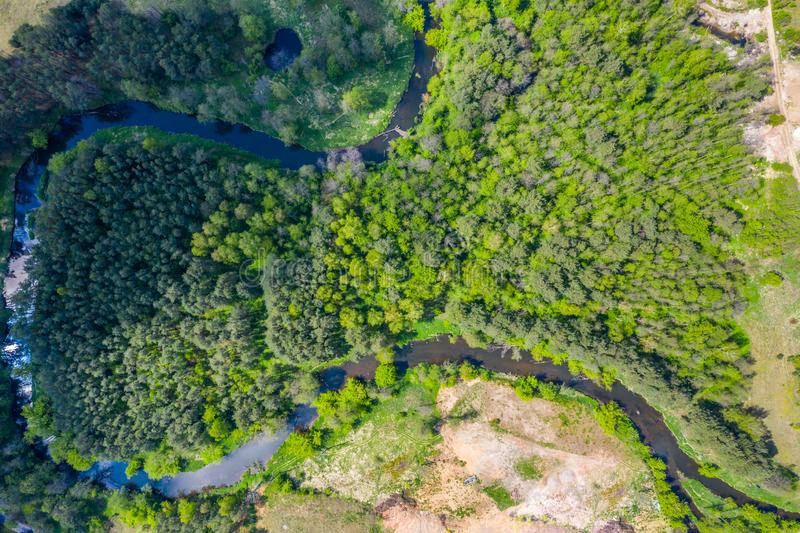 Vogelperspektive von Nida-Fluss in Polen Natürliche Biegungen stockbilder