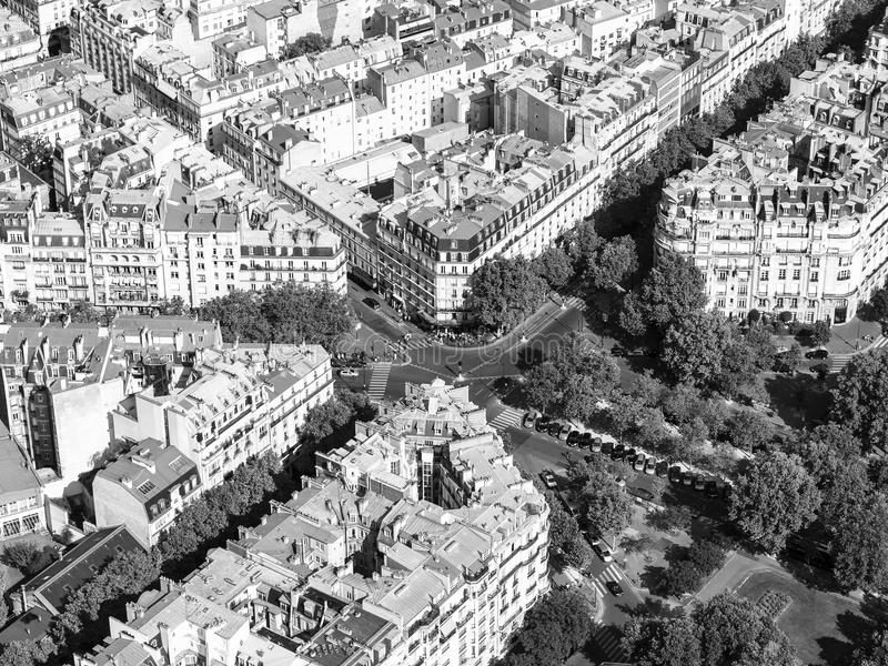 Vogelperspektive von Paris-Straßen vom Eiffelturm lizenzfreie stockfotos