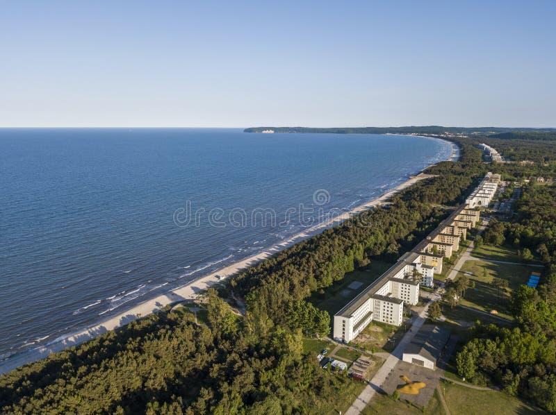 Vogelperspektive von Prora, ein Strandurlaubsort errichtet von Nazi Germany lizenzfreies stockfoto