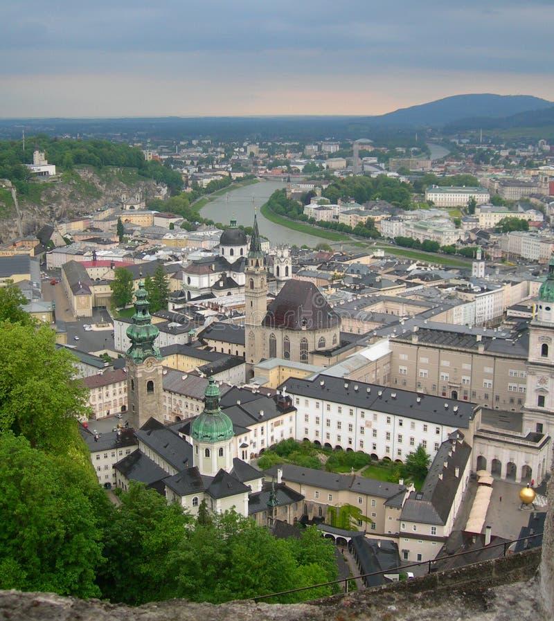 Vogelperspektive von Salzburg, Österreich stockbild