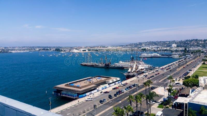 Vogelperspektive von San Diego-Hafen lizenzfreie stockbilder