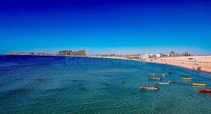 Vogelperspektive von Sandy Beach, Puerto Penasco, Sonora, MX mit den Gezeiten herein stockfotografie