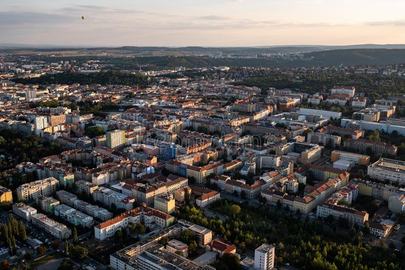 Vogelperspektive von Stadtbild von Brno lizenzfreie stockfotos