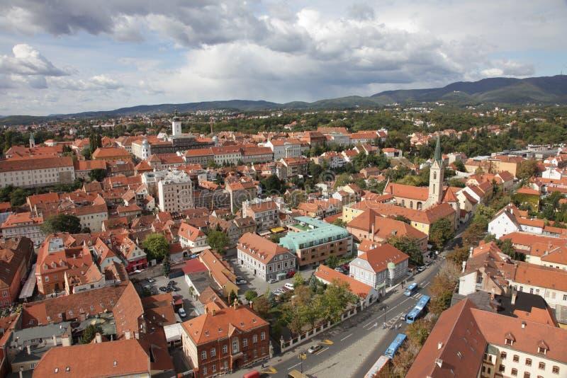Vogelperspektive von Zagreb, die Hauptstadt von Kroatien lizenzfreie stockfotos