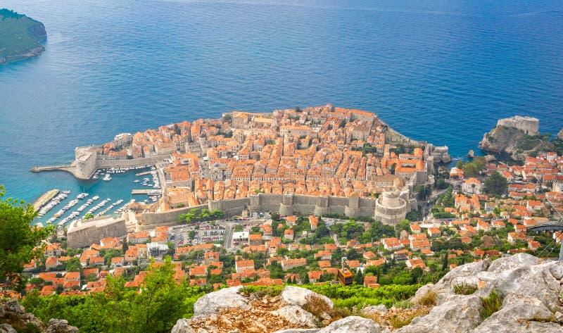 Vogelperspektive zu alter Stadt Dubrovniks lizenzfreie stockfotografie
