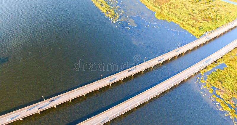 Vogelperspektive zwischenstaatlicher Straßenbrücke 10 lizenzfreie stockfotografie