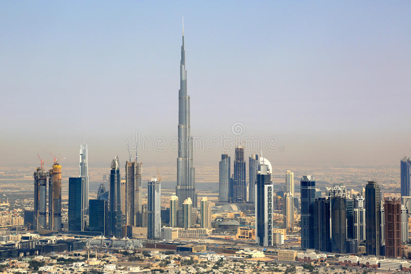 Vogelperspektivephotographie Dubais Burj Khalifa Downtown lizenzfreie stockfotografie