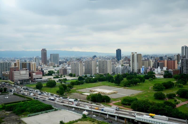 Vogelperspektivestadtbild von Osaka-Stadt um ungefähr Osaka-Schloss lizenzfreies stockbild