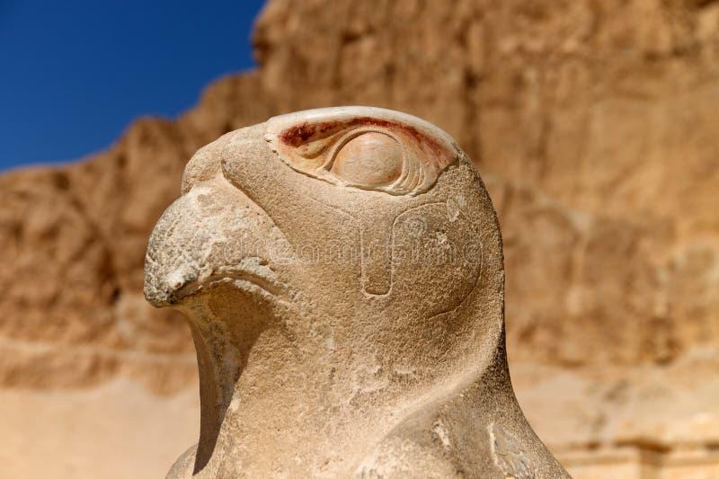 Vogelstatue in Ägypten lizenzfreie stockbilder