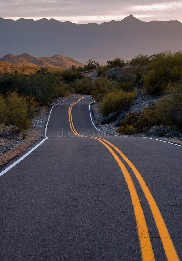 Download Voie image stock. Image du voie, sunrise, nuage, omnibus - 8670819