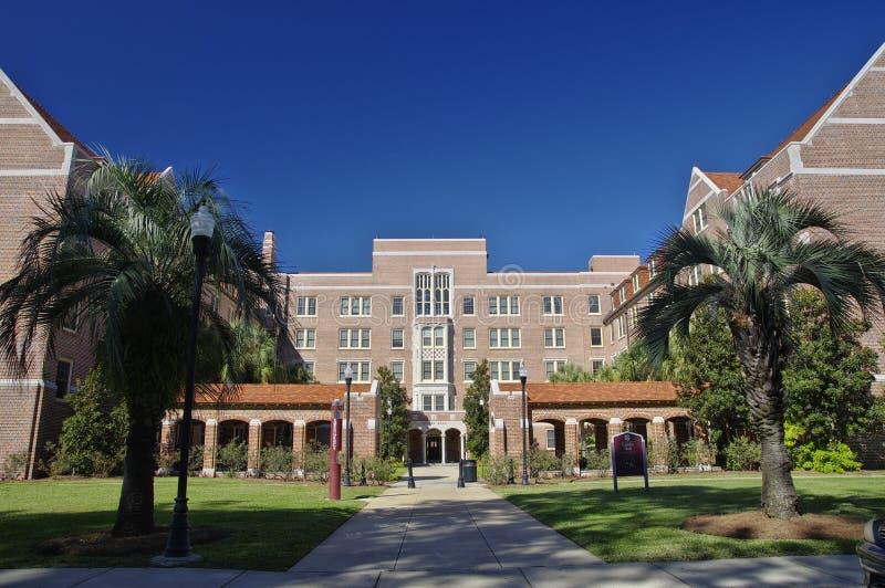 Voie de base de Landis Hall à l'université de l'Etat de la Floride à Tallahassee, Etats-Unis images stock