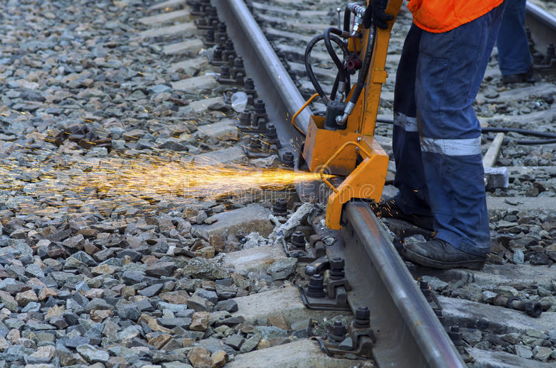 Voie de chemin de fer de meulage photos stock