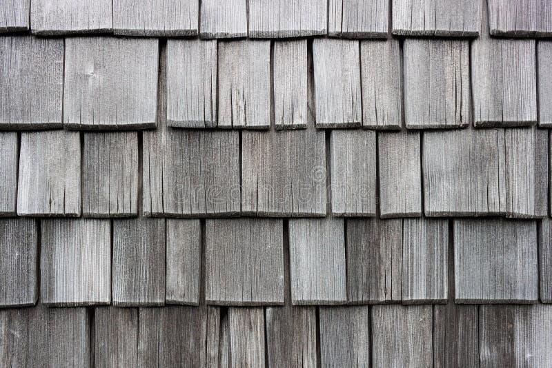 Voie de garage en bois de mur de bardeau faite en mélèze photo stock