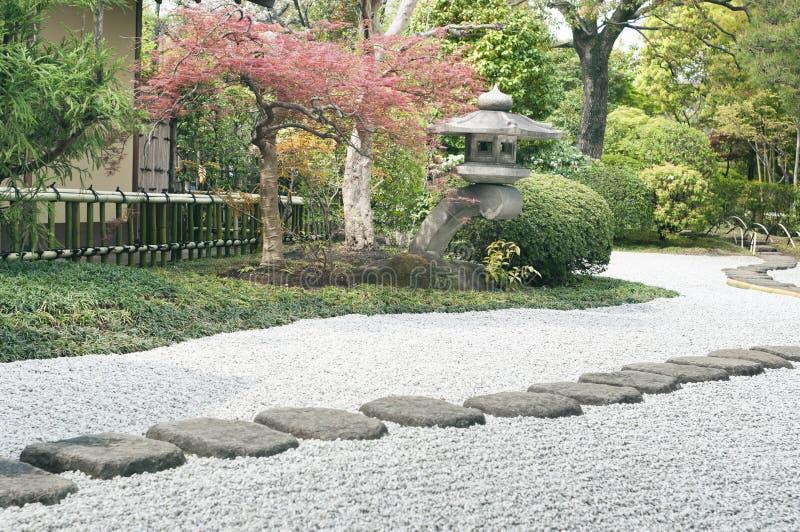 Voie de jardin de zen images stock