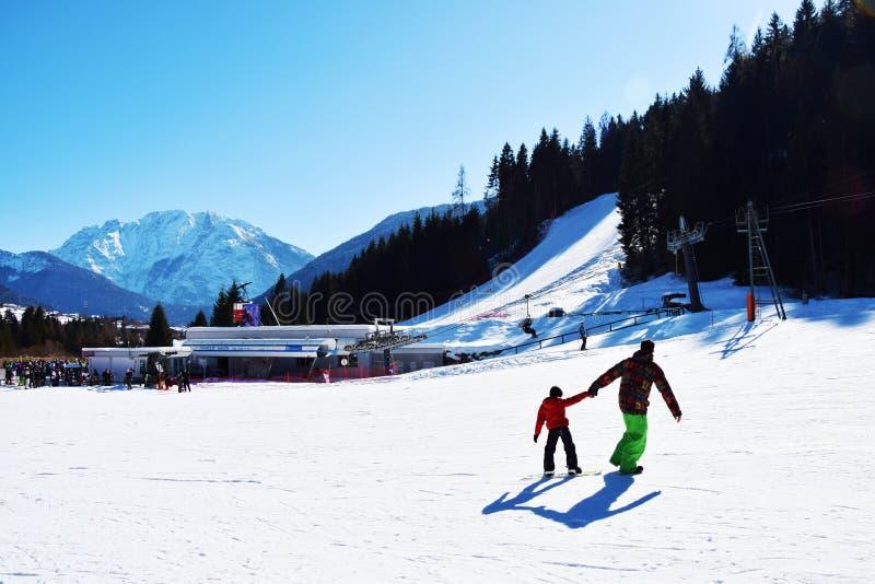 Voie de ski, paysage en Auronzo di Cadore, beau paysage, montagnes de Dolomiti, Italie image libre de droits