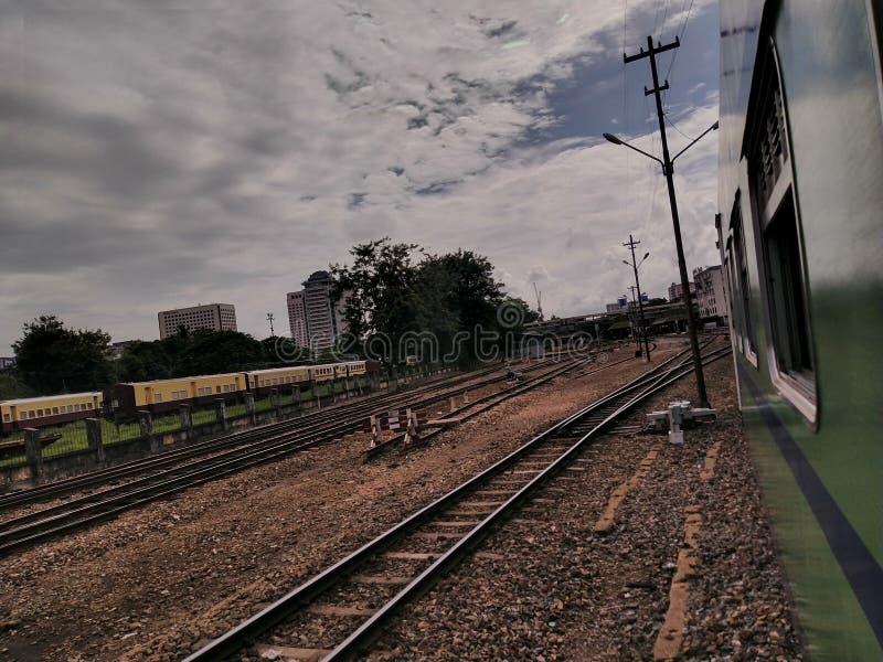 Voies de chemin de fer Myanmar photos stock