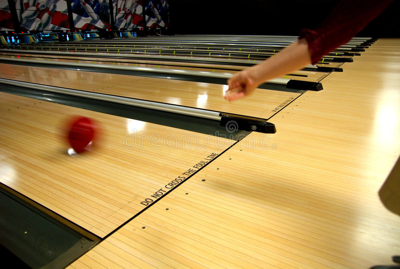 Voies de ruelle de bowling photos stock