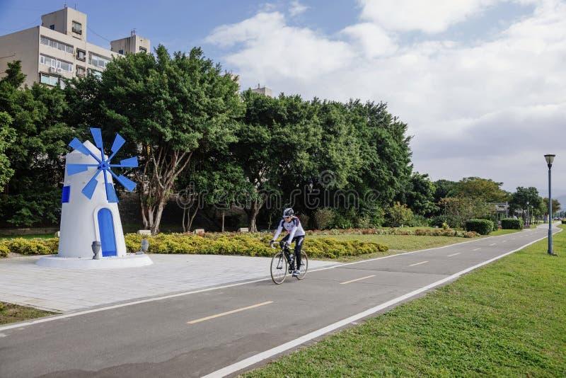 Voies pour bicyclettes de crique de Xindian photographie stock libre de droits