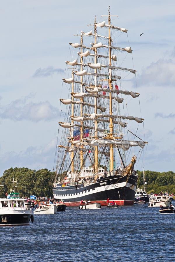 Voile Amsterdam 2010 - Voile-dans Le Défilé Image éditorial