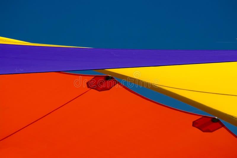 Voiles colorées d'ombre photo stock